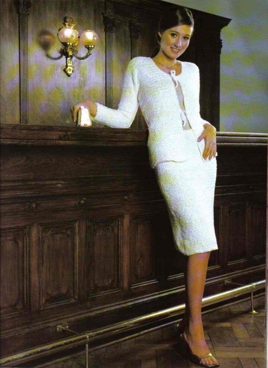Вязание белого костюма